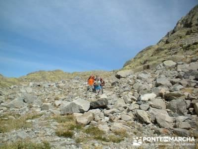 Laguna Grande de Gredos - Disfrutando en la Sierra de Gredos; rutas de senderismo madrid; club de se